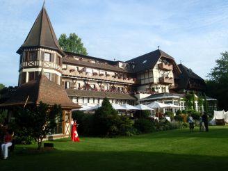 '' Hôtel Le Vieux Manoir''