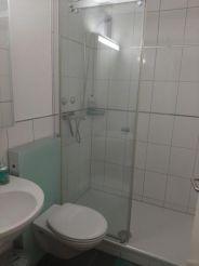 Двомісний номер зі спільною ванною кімнатою